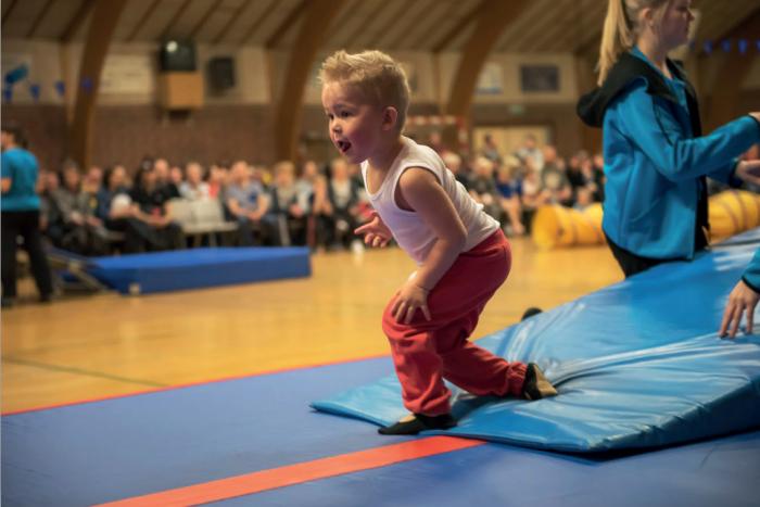 Gymnastikopvisning i Vejrup-Endrup Fritidscenter